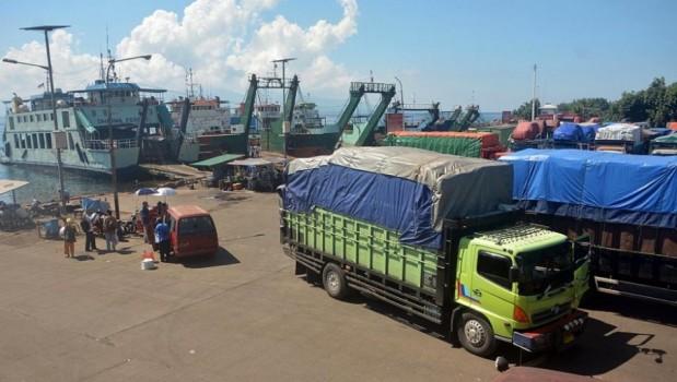 Angkutan barang dilarang beroperasi selama Lebaran