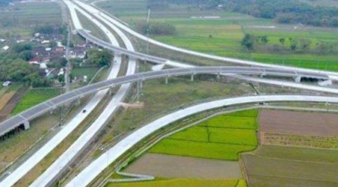 Tunda Kenaikan Tarif Tol untuk Truk Logistik
