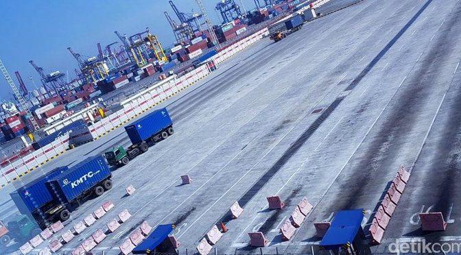 Pekerja JICT mogok, Priok lumpuh, kontainer menumpuk