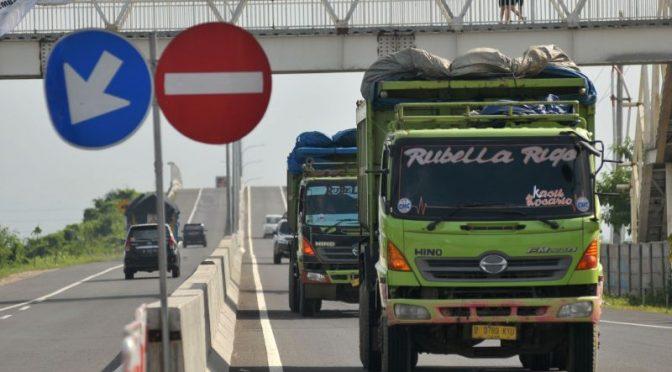 Mulai H-7 hanya truk sembako boleh lewat