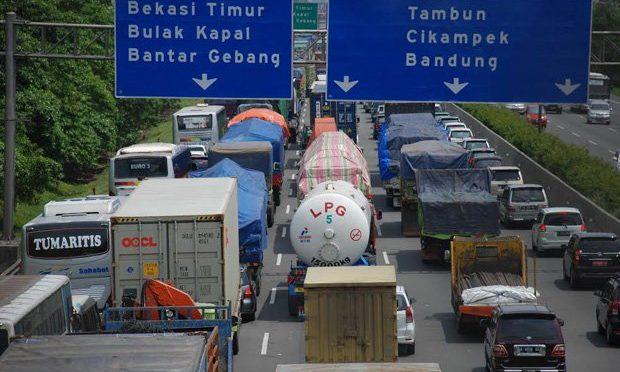 Pengusaha mengeluh pembatasan truk hambat arus barang dari Priok