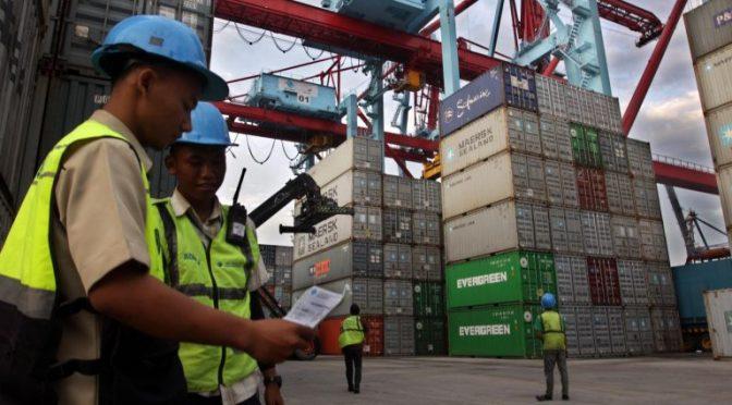 GAPMMI: arus keluar barang impor agar prioritaskan bahan baku