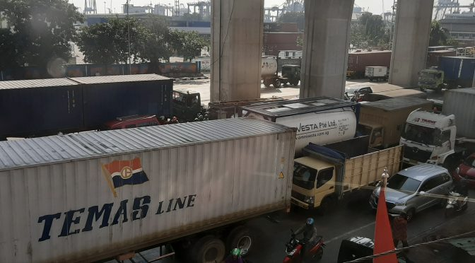 Truk Logistik di Pelabuhan Priok Akan Pakai Single TID