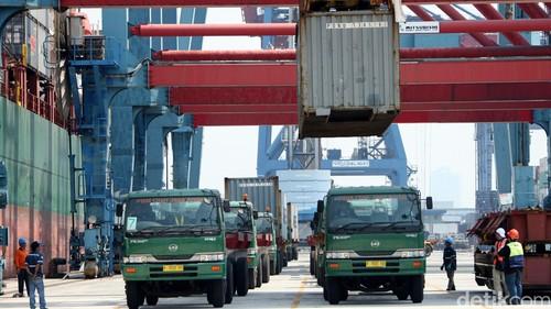 Pembatasan ban impor pukul logistik lokal